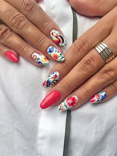Simple Flower Nail Art Designs are a few of the most revered suggestions for nail art as the various colours and designs of flower nails. Flower Nail Designs, Nail Art Designs, Get Nails, Hair And Nails, Mexican Nails, Floral Nail Art, Nagel Gel, Flower Nails, Perfect Nails