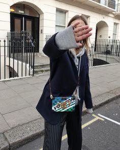 "897 gilla-markeringar, 14 kommentarer - by Sabrina Meijer (@intoitmagazine) på Instagram: ""Hiding my bags. #LFW day 2. . . . #mbfw @mbfw #mercedesbenzfashion"""