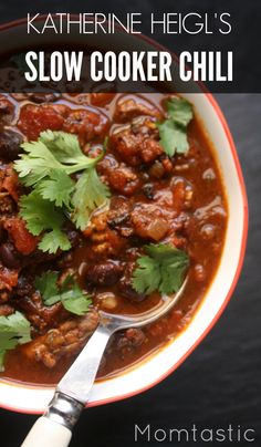Actress Katherine Heigl is this month's Momtastic guest editor! In this post, she shares her super yummy (and super easy!) slow cooker chili recipe with us. This is a fantastic dinner idea for the family! You'll definitely want to save this one.