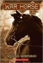In 1914, Joey, a beautiful bay-red foal with a distinctive cross on his nose, is sold to the army and thrust into the midst of the war on the Western Front. But even in the desolation of the trenches, Joey's courage touches the soldiers around him and he is able to find warmth and hope. But his heart aches for Albert, the farmer's son he left behind. Will he ever see his true master again?