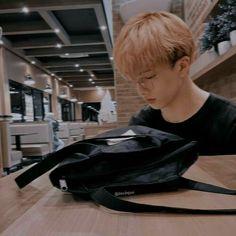 handsome jisung waiting for you at a coffee shop. Nct 127, Ntc Dream, Park Jisung Nct, Jae Day6, Park Ji Sung, Na Jaemin, Julia, Entertainment, Taeyong