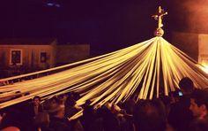 """""""U signuri di li fasci"""" - la #Pasqua a Pietraperzia, in provincia di Enna  #Sicilia #tradizioni"""
