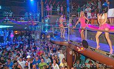 Party People dancing Ibiza