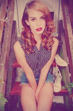 Love Lana Del Rey's beauty look!