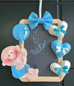 Targa annuncio di nascita su lavagna di ardesia, per bambino Owl Mobile, Baby Crib Mobile, Baby Cribs, Felt Baby, Felt Toys, Baby Shower Favors, Stuffed Toys Patterns, Baby Names, Baby Gifts