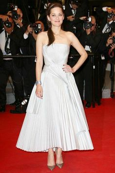Marion Cotillard in Christian Dior & Chopard at Cannes 2014.