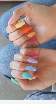 The Most and Glamorous Nail Art Designs For Girls Round nails art is so nice! That's why we found the best nails to motivate you and take you to the local nail salon as… Summer Acrylic Nails, Best Acrylic Nails, Acrylic Nails Pastel, White Nail Designs, Acrylic Nail Designs, Aycrlic Nails, Hair And Nails, Coffin Nails, Fire Nails