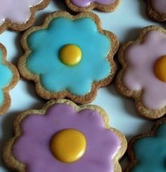 Sarah Smith - A Splash of Colour: How to Make: Iced Easter Biscuits