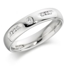 Elegant rounded wedding ring set with 7 diamonds 5mm - perfect for a gay / lesbian wedding or civil partnership.