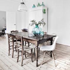 BINNENKIJKEN • wat een heerlijk licht in dit appartement in Kopenhagen! Meer op vtwonen.nl/binnenkijken #binnenkijken #vtwonen
