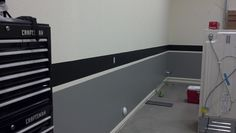 Another stripe around the outlets.