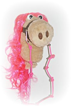 Upcycle your old teddy bear and wig into a hobby horse. < Upcycling and DIY   UPCYCLE ME