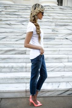 style-icon-amber-fillerup-clark-of-barefoot-blonde-movember-700x1050