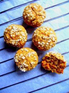 Voňavé mrkvové muffiny Breakfast, Cupcakes, Fitness, Recipes, Food, Morning Coffee, Cupcake, Eten, Cupcake Cakes