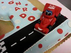 #cars #modelling Torte Artistiche per qualsiasi evento della pasticceria La Mimosa di http://www.simocakedesigner.it