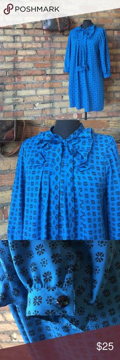 ANNA SUI Blue MOD VINTAGE TWIGGY STYLE DRESS Only worn once! So mod and looks extremely upscale. This is an all seasons dress for sure! Made of poly. Anna Sui Dresses