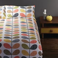 LIVING IN THE '70s: Orla Kiely scribble stem quilt cover set. Shop now at www.hardtofind.com.au