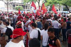 Pregopontocom Tudo: Ato em Salvador protesta contra impeachment com música e gritos de ordem...