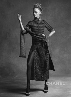 Anna Ewers   Lindsey Wixson x Karl Lagerfeld Mode Campagne, Automne Hiver  2015, Prêt b479c7390ee