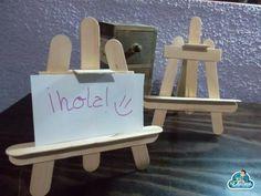 Fem un cavallet per a notes o fotos! Popsicle Stick Crafts, Popsicle Sticks, Craft Stick Crafts, Wood Crafts, Diy Crafts, Easy Crafts For Kids, Art For Kids, Diy Adult, Craft Fair Displays