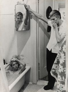 1975 - Candy Clark as Mary-Lou and David Bowie as Thomas Newton in The Man Who Fell To Earth film 70s.