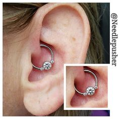 Healing daith piercing switched up to this forward facing circular barbell from … Healing daith piercing on this forward looking round barbell from with pink and white Swarovski stones! Daith Piercing Schmuck, Cartilage Jewelry, Piercing Tattoo, Body Piercing, Charm Jewelry, Body Jewelry, Jewlery, Pretty Ear Piercings, Swarovski Stones
