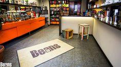 Beans Kaffeespezialitäten - der Shop! Beans Coffeespecialities - the shop in Vienna! Espresso, Coffee Shop, Beans, Home Decor, Kaffee, Espresso Coffee, Coffee Shops, Coffeehouse, Decoration Home