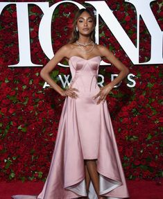 Tony Awards 2016: Fashion—Live From the Red Carpet - Jourdan Dunn in a Zac Posen dress and Lorraine Schwartz jewelry