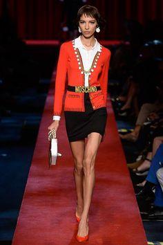 Moschino Spring 2017 Ready-to-Wear Fashion Show - Alice Metza