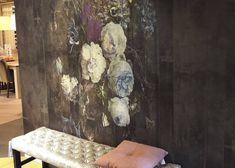We love this La Aurelia- presentation at Official Reseller TMC Wonen at Kruiningen. Classy wallpaper design Bouquet is displayed as standard Mural & Extensions. If you are in search of beautiful eyecatchers for your wall, visit their lovely store! #laaurelia #wallpaper #wallcovering #behang #interior #flowers #bouquet