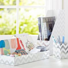 printed desk accessories, set of 3: magazine caddy, divided tray