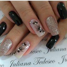 20 Χειμωνιάτικα νύχια με φλοράλ σχέδια!   ediva.gr Nail Art Designs Videos, Best Nail Art Designs, Black Nail Designs, Acrylic Nail Designs, Floral Designs, Elegant Nails, Stylish Nails, Manicures, Gel Nails
