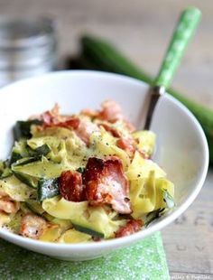 Eat Stop Eat To Loss Weight - Tagliatelles de courgettes alla Carbonara - In Just One Day This Simple Strategy Frees You From Complicated Diet Rules - And Eliminates Rebound Weight Gain Zucchini Carbonara, Zucchini Noodles, Fat Loss Diet, Stop Eating, Atkins, Paleo Diet, Keto Meal, Paleo Recipes, Food Inspiration