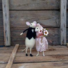 Wedding cake topper figurines Felt mice groom bride by CozyMilArt, $78.87