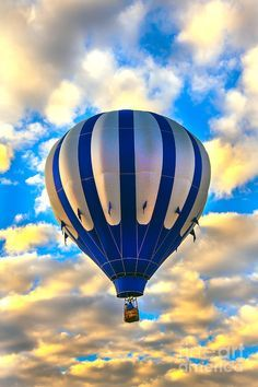 Hot air balloon against blue sky and white clouds Foto Picture, Air Balloon Rides, Hot Air Balloons, Air Ballon, Illustrations, World, Blue, Beautiful, Christening Frames