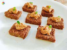 """Chocolate: #Brownie de #algarroba, #cacao, """"dulce de leche"""" y micro hojas de melisa, realizado en clase 10 www.conscienciaviva.com"""