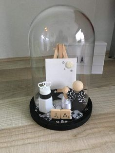 Wood Peg Dolls, Wedding Gifts For Guests, Diy Art Projects, The Bell Jar, Baby Album, Glass Domes, Diy Gifts, Christmas Diy, Diy And Crafts