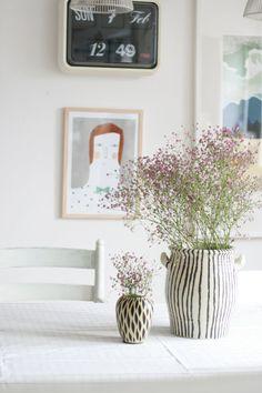 Sperrmüllfund aufgehübscht #interior #einrichtung #einrichtungsideen #ideas #deko #dekoration #decoration #tischdeko #summer #sommer #flowers #blumen Foto: oskarlino