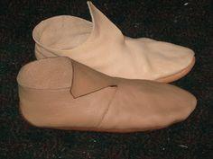 A Medieval Craftsman: Viking shoes: part I
