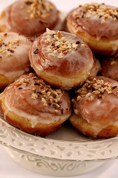 looks good enough to eat Donut Recipes, Baking Recipes, Just Desserts, Dessert Recipes, Baking Quotes, Polish Recipes, Polish Food, Czech Recipes, Doughnuts