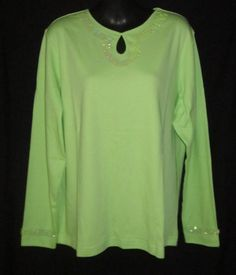 Bid starts at .99 cents  Quacker Factory Medium Top NEW NWT Womens Medium Top Ladies Medium Shirt CUTE
