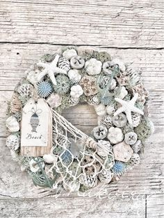 Handmade Christmas Decorations, Christmas Wreaths, Christmas Crafts, Holiday Decor, Seashell Art, Seashell Crafts, Project Place, Coastal Wreath, Moss Wreath