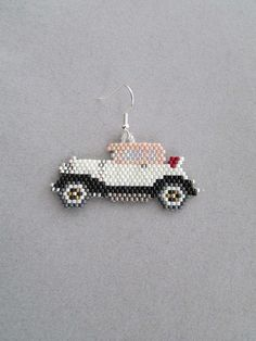 These nostalgic old car earrings remind us of days gone by, when life was much l… – Schmuck modelle Seed Bead Jewelry, Bead Jewellery, Seed Bead Earrings, Etsy Earrings, Seed Bead Patterns, Beaded Jewelry Patterns, Beading Patterns, Perler Beads, Seed Bead Projects