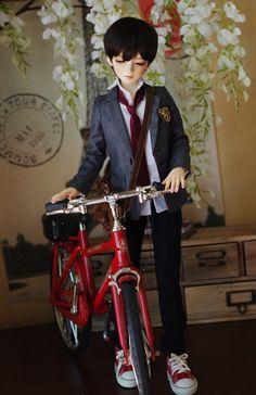 BJD bike, photo via Switch Anime Dolls, Bjd Dolls, Barbie Dolls, Doll Toys, Pretty Dolls, Beautiful Dolls, Dream Doll, Smart Doll, Doll Repaint