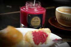 Genießen Sie ein tolles Frühstück mit hausgemachten Konfitüren/ Enjoy a splendid breakfast with homemade jams