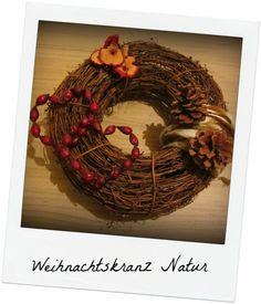 VanitasKREATIV: Kranz Haustür Weihnachtskranz mit Hagebuttenherzen, Herzen aus Rinde und Tannenzapfen