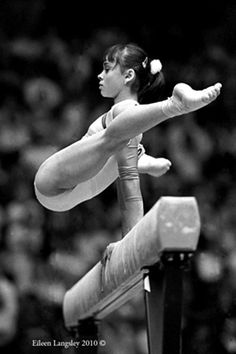 Photo by Eileen Langsley - Aurelia Dobre (Romania) on the way to winning the world title at the 1987 Rotterdam World Championships #gymnastics #beam