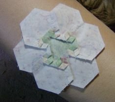 Stitching Hexagon Flowers | Quilt Obsession