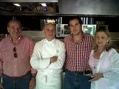 Restaurante Atrio con Toño Pérez y con mis acompañantes más fieles papá y mamá.