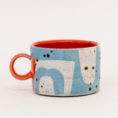 Colorful Shape Mugs by Sarah Steininger Leroux Pottery Pots, Ceramic Pottery, Ceramic Cups, Ceramic Art, Ceramic Design, Pottery Painting Designs, Glass Coffee Mugs, Hand Built Pottery, Pottery Sculpture